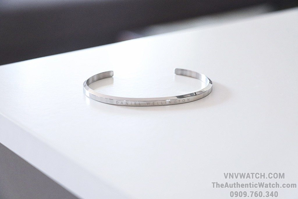 Review Vong tay Daniel Wellington Classic Cuff H.8